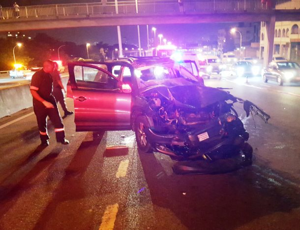 Driver dies after crashing into rear of truck near Tollgate Bridge