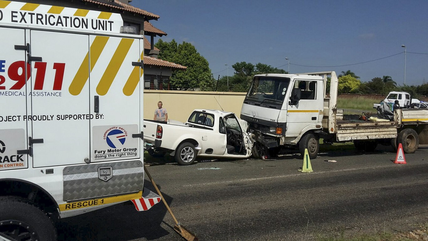 Roodepoort crash leaves one seriously injured