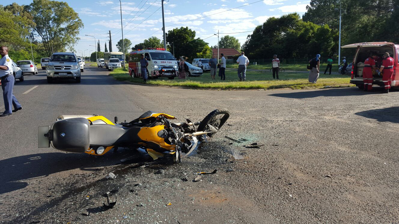 Taxi and bike collide, injuring four in Potchefstroom