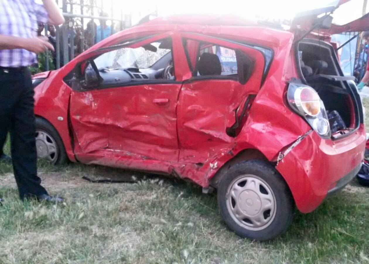 T-Bone collision leaves mother and daughter seriously injured