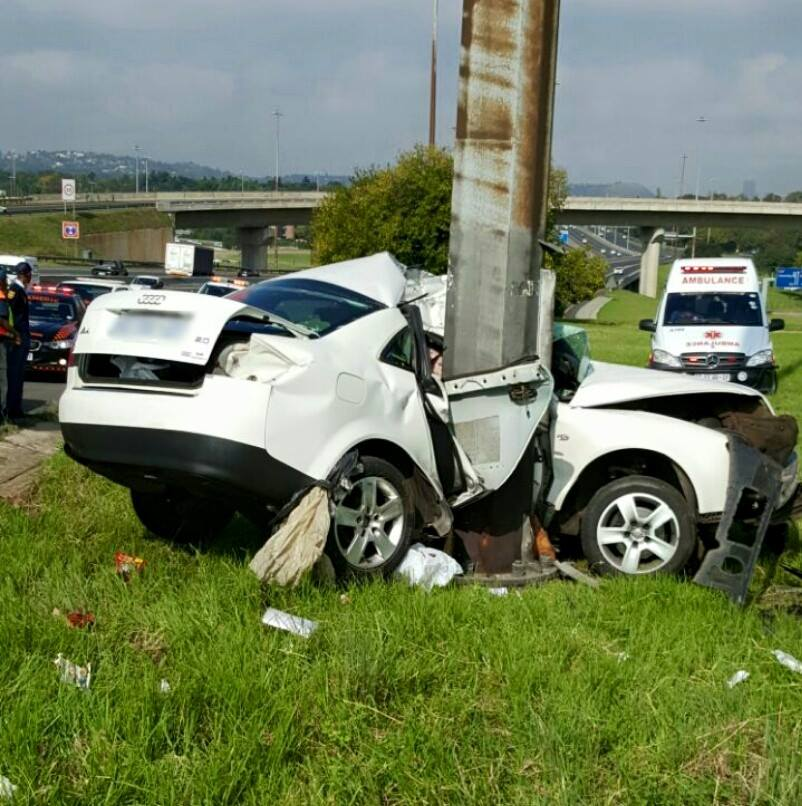 Fatal crash leaves vehicle wrapped around pole next to R24 Bedfordview Freeway