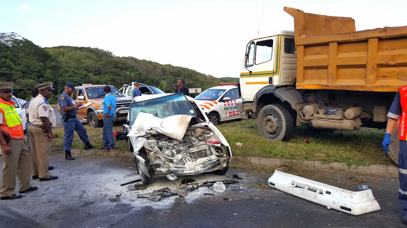 Winklespruit head-on collision leaves two injured