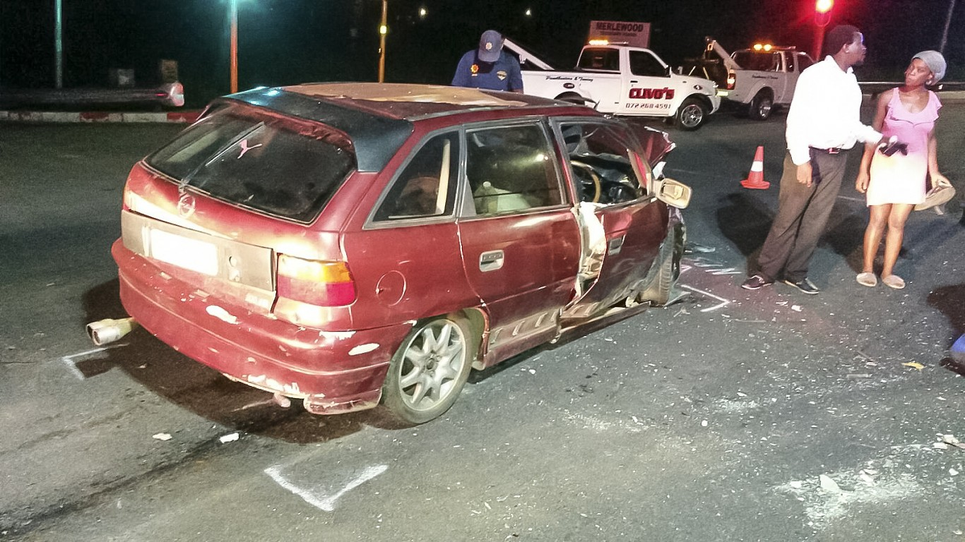 Marburg crash leaves five injured