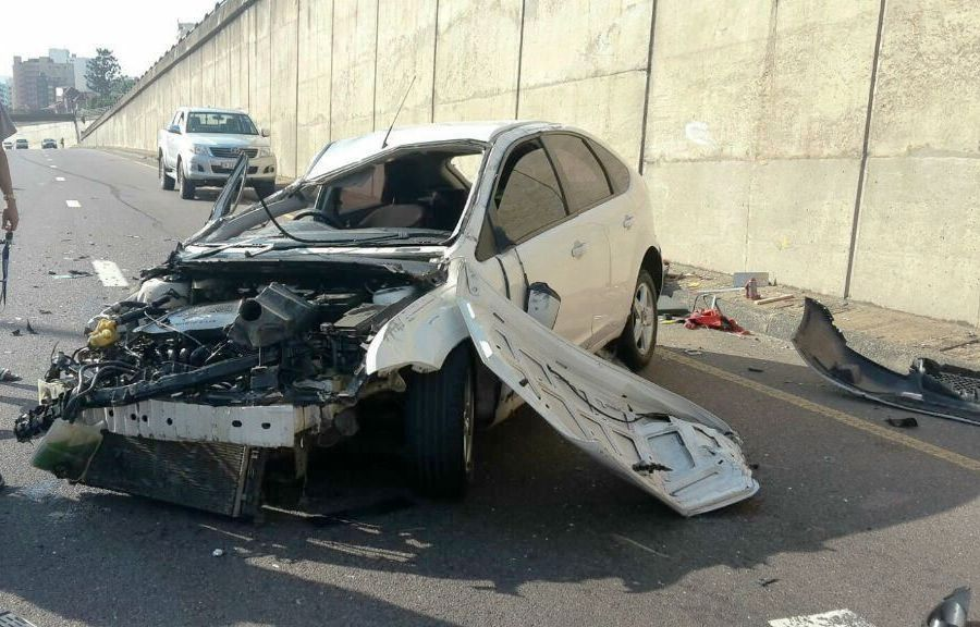 Brake failure blamed as truck crashes into 2 vehicles in Midrand