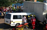 Taxi T-bones truck injuring 14, Hammersdale