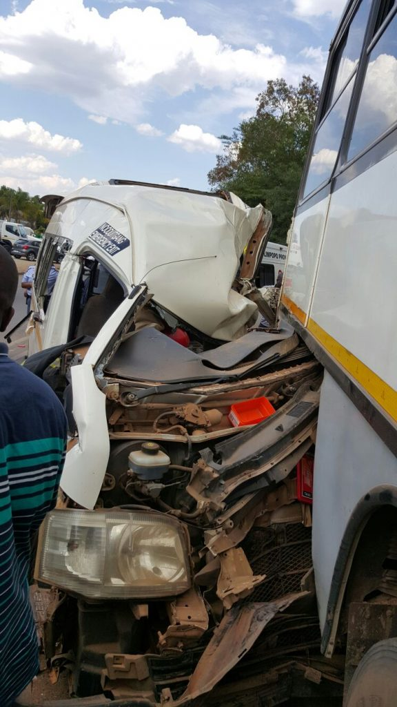 Taxi rear-ends bus injuring 16, Tzaneen | Road Safety Blog