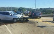 8 Injured in 3 car pile up in intersection in Durban