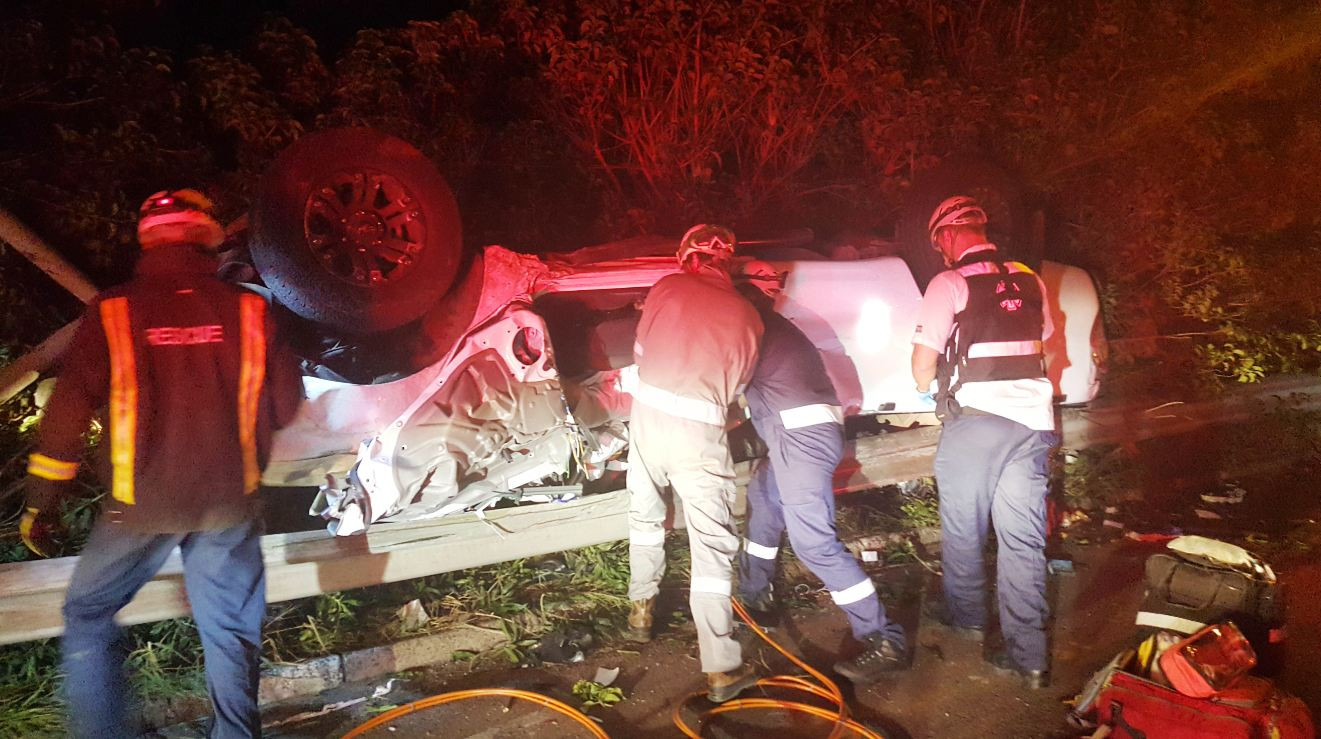 6 Hurt in 3 car pile up near Edwin Swales in Durban