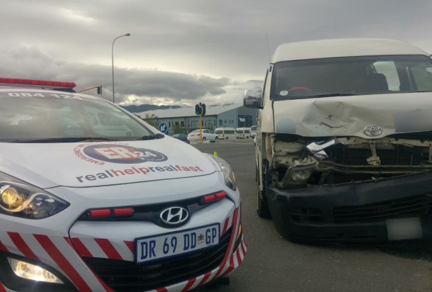 Eleven injured in Somerset West taxi collision