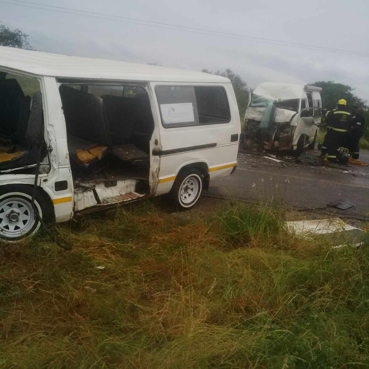 Two taxis collide injuring 16, Musina