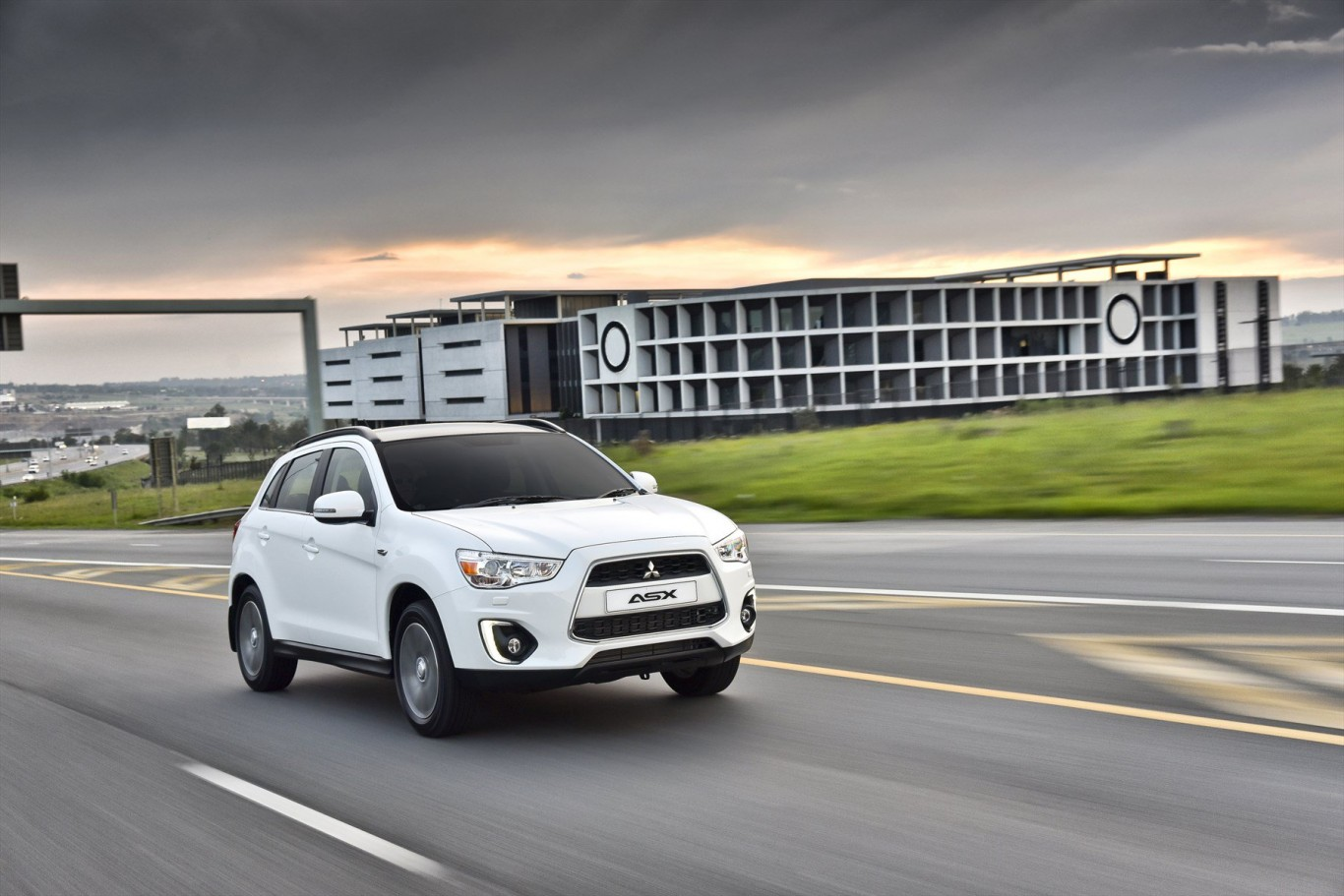 Mitsubishi Motors reaffirms support for Wheel Well and car seat safety