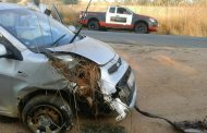 Car crashed into ditch at Muldersdrift when trying to evade crash into another vehicle