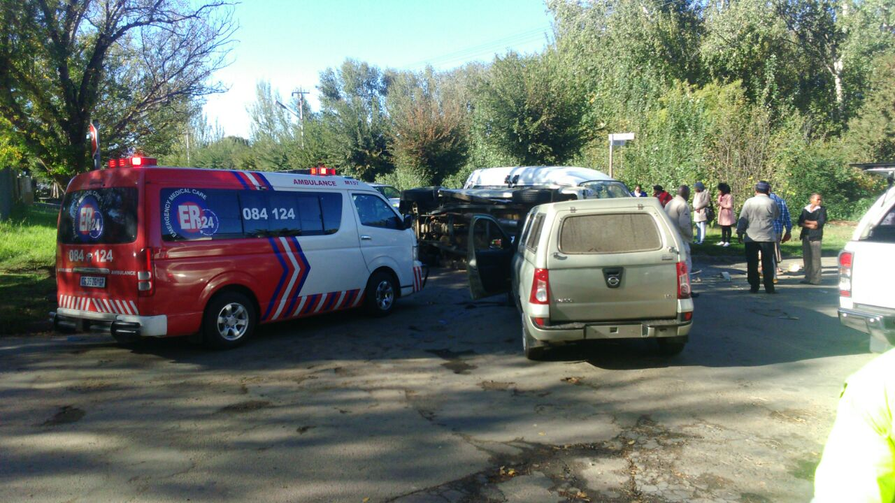 Eight injured in three car collision in Ficksburg