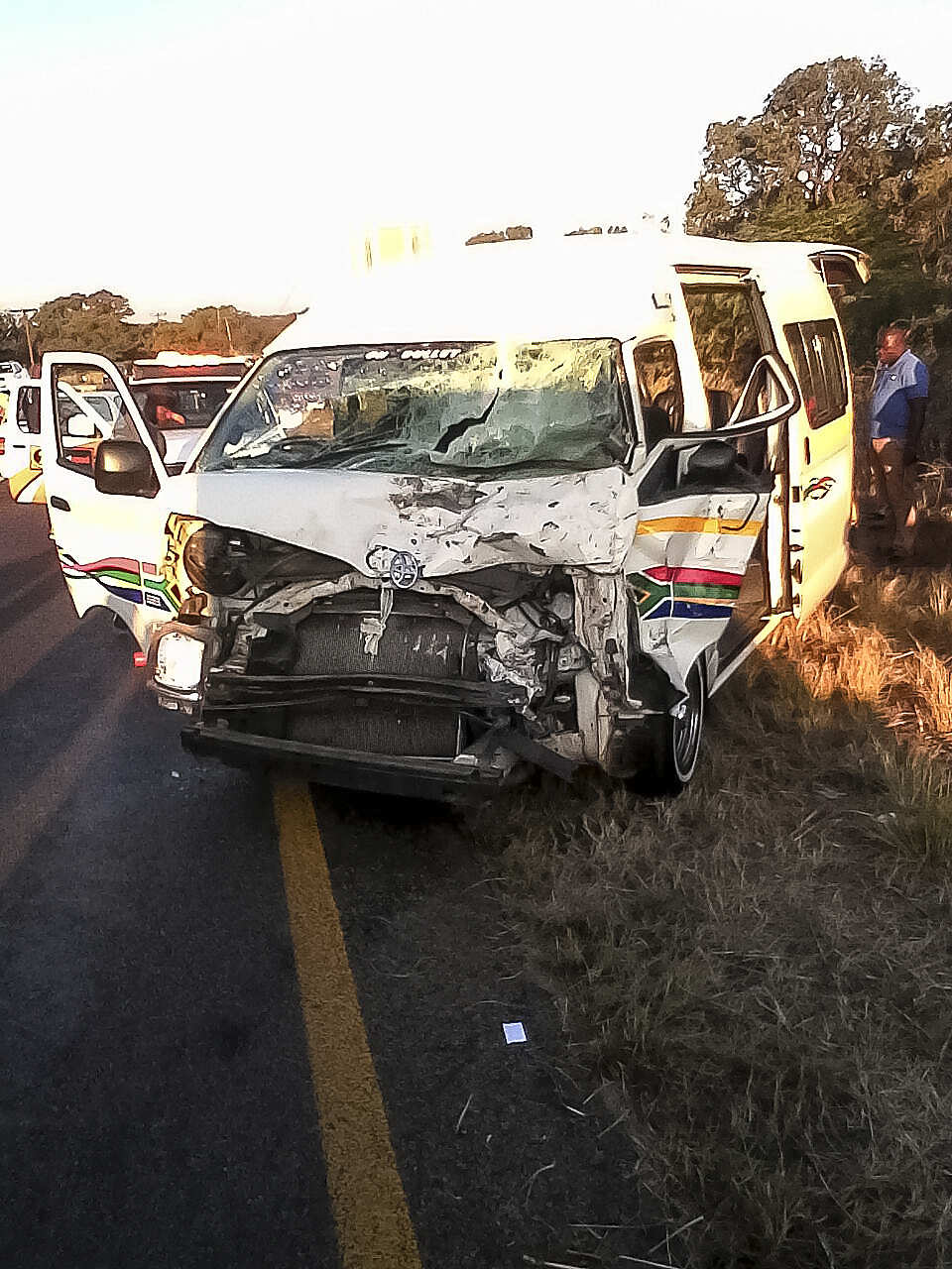 Kwa Mhlanga R573 crash leaves 10 injured