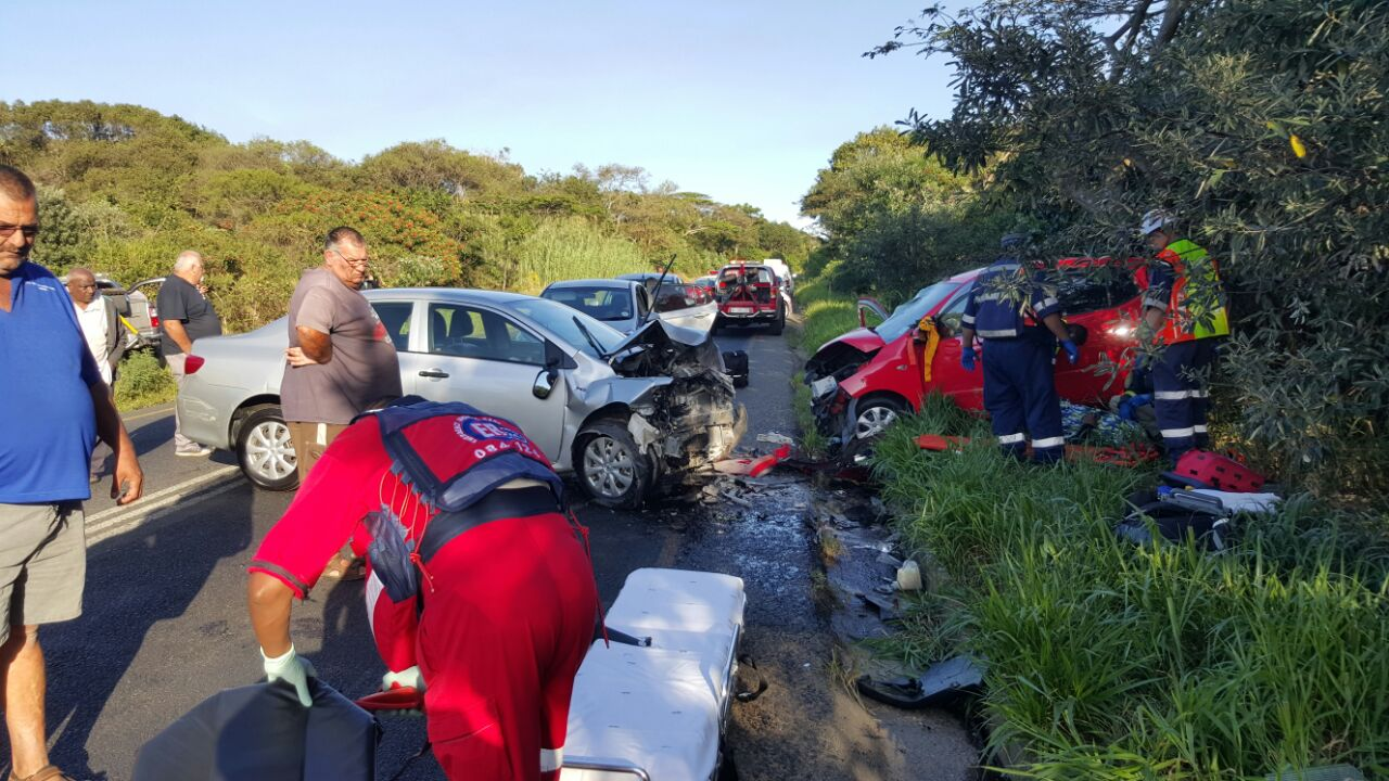 Three injured in head-on collision, Amanzimtoti