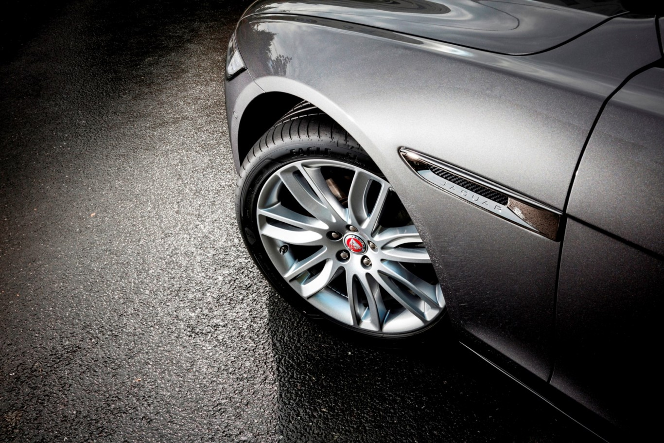New Goodyear Eagle F1 Asymmetric 3 makes appearance on Jaguar XF