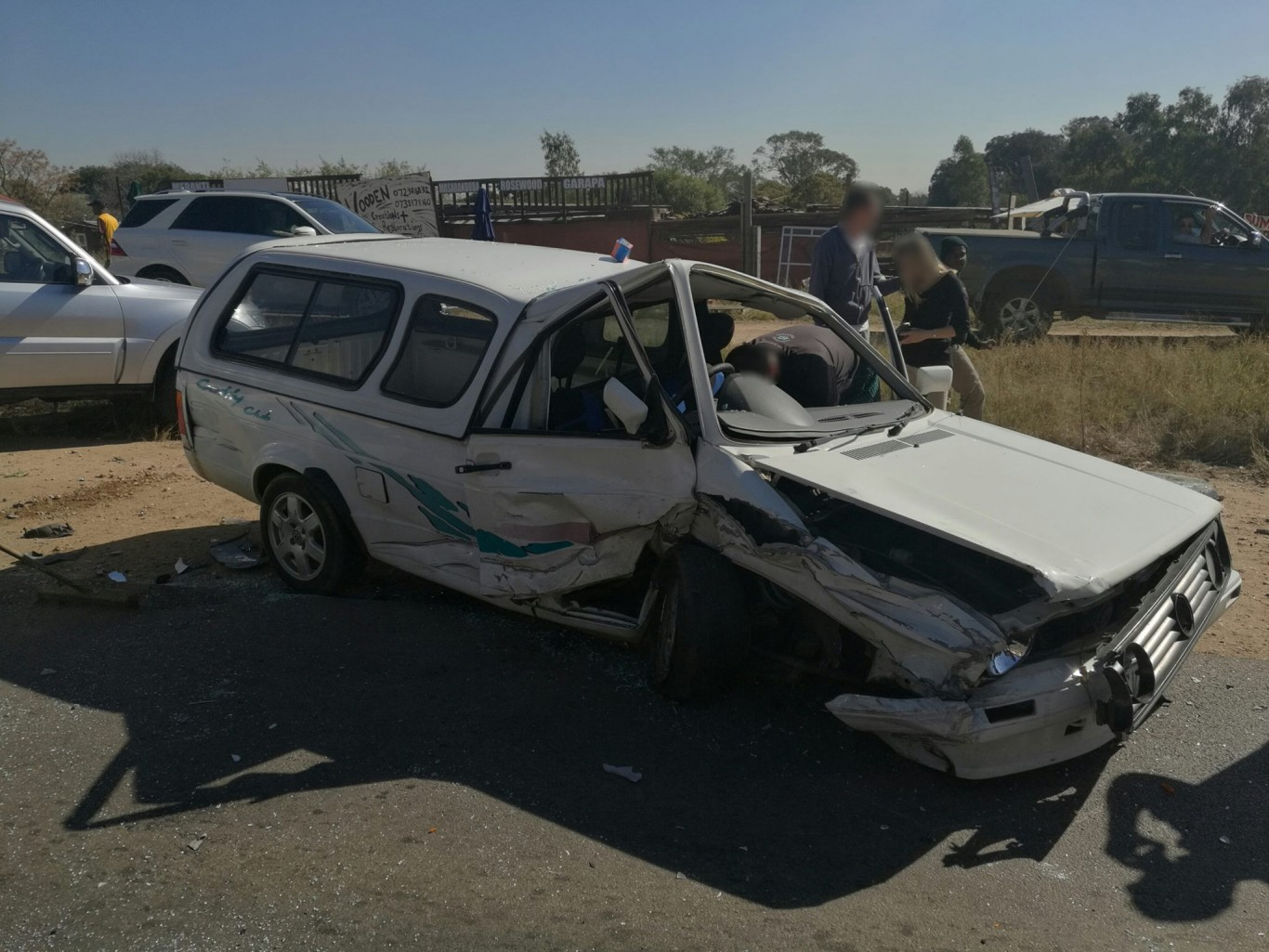 Head-on collision on the R55 between Bryanston Main and Arthur, Kyalami.