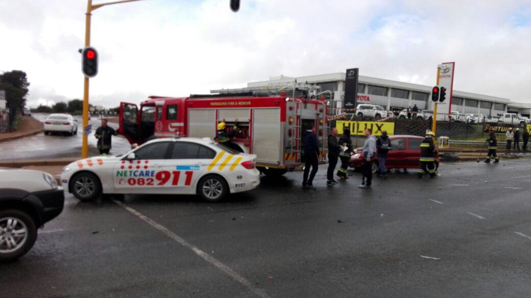 Woman injured in collision at Intersection in Langenhovenpark, Bloemfontein