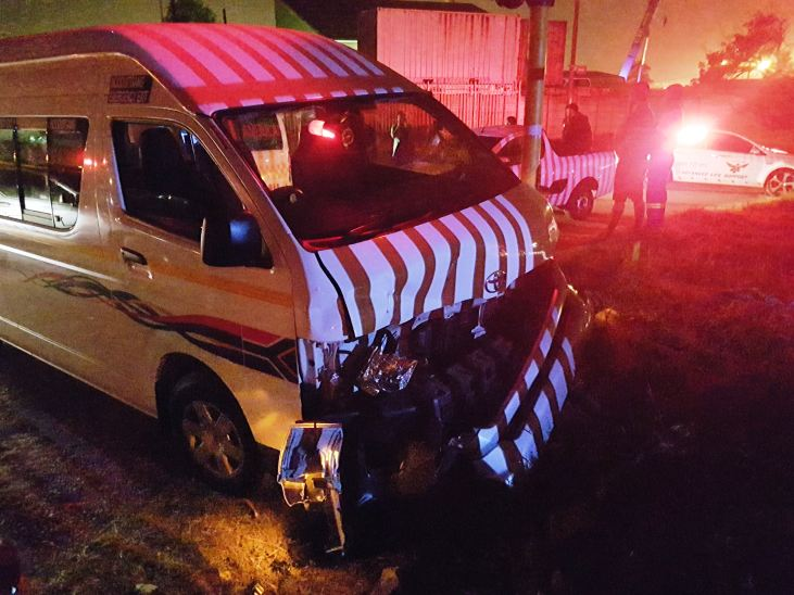 13 Injured in taxi crash on Bayhead Road