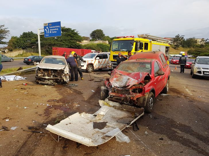 2 Killed and 4 injured in horror pile- up on the N2 North Bound before Umgeni Road