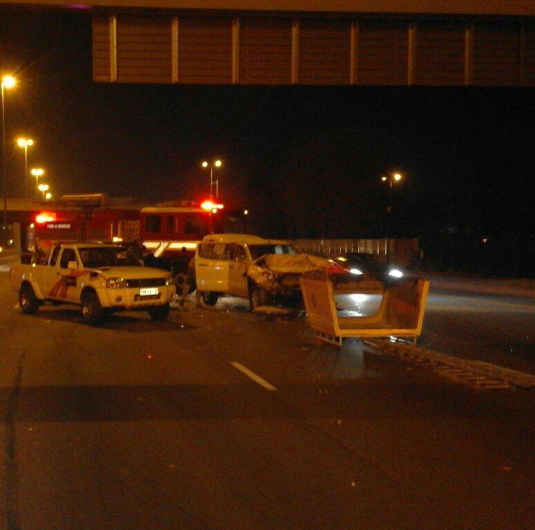Several injured as 2 bakkies collide on the N1 North before Botha Avenue, Centurion.