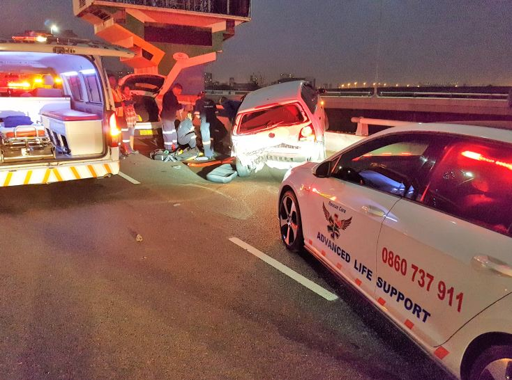 3 Injured in early morning crash on the N3 Durban Bound before Commercial Road