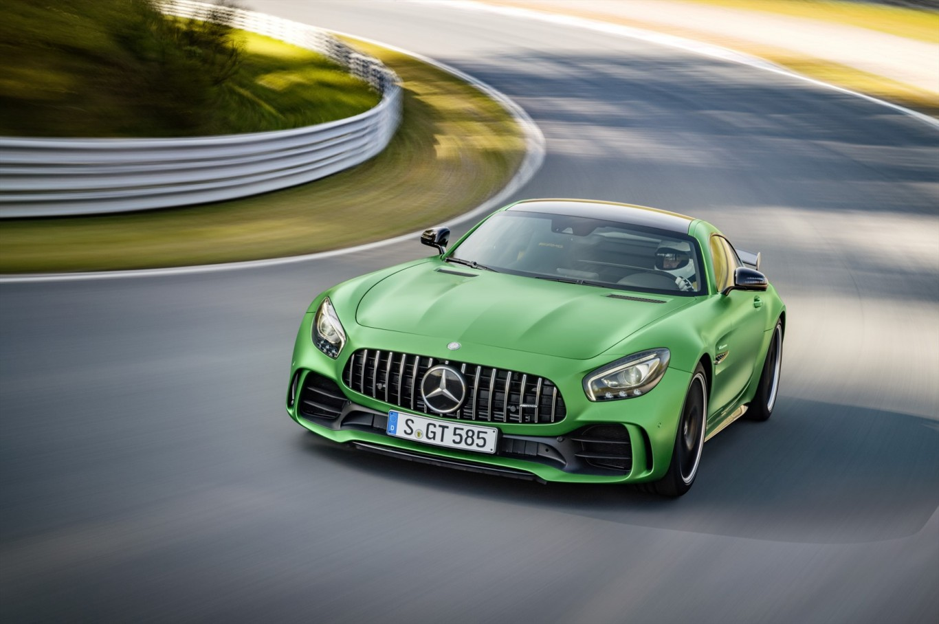 The new Mercedes-AMG GT R