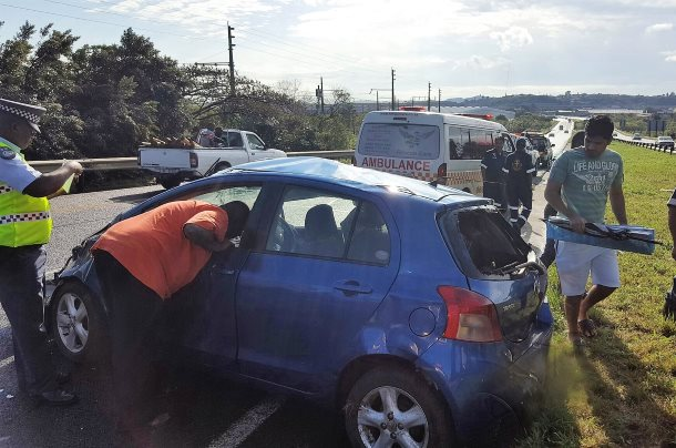 3 Injured in crash in Westville