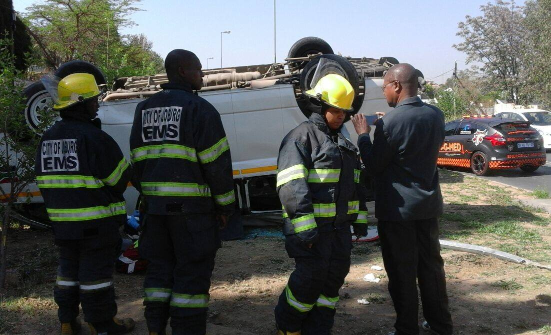 7 Injured when taxi rolled on Douglas Road, Douglasdale