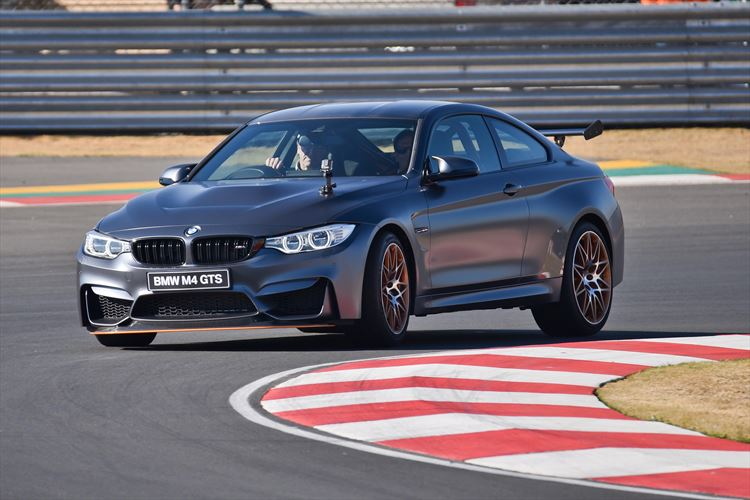 p90231462_highres_the-bmw-m4-gts-makes_880x500