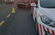 Man killed after being pinned beneath his overturned bakkie on the N2