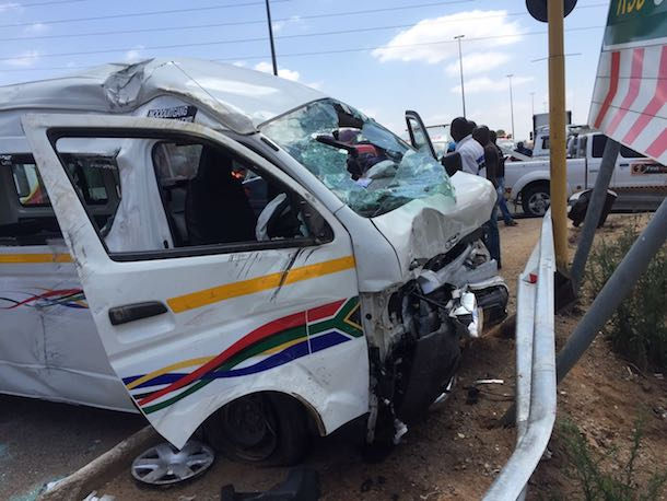 olievenhoutbosch-car-t-bones-taxi-injuring-eight