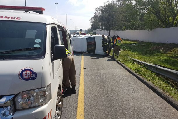 Six injured after a bakkie overturned between William Nicol and Malibongwe