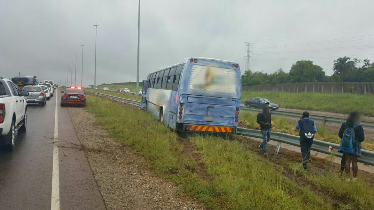 Fortunate escape from serious injury in bus crash on the R55 in Zwartkops.