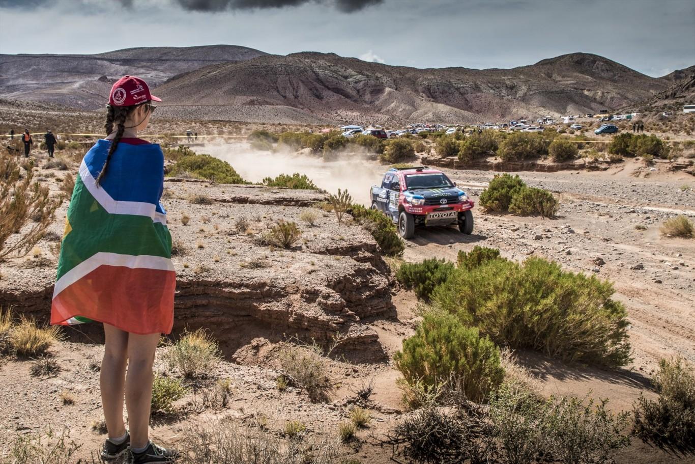 Consolidation on Stage 4 of Dakar 2017 for Toyota Gazoo Racing SA