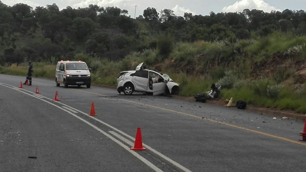 One killed in collision on the R555 between Steelpoort and Rosenekaal.