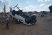Bakkie overturns leaving three injured, Upington
