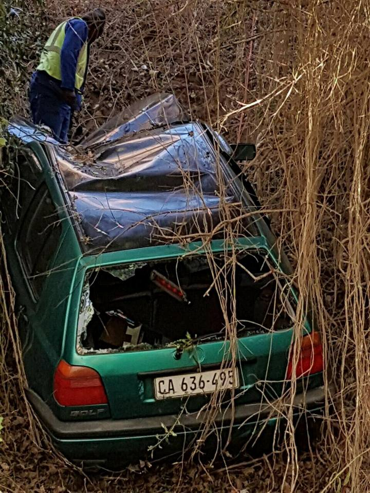 Vehicle crashed into ravine on Red Hill road, Simonstown
