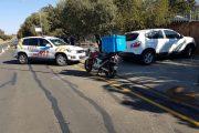 Bloemfontein: 63 year old man sustains severe leg  injuries in bike crash.