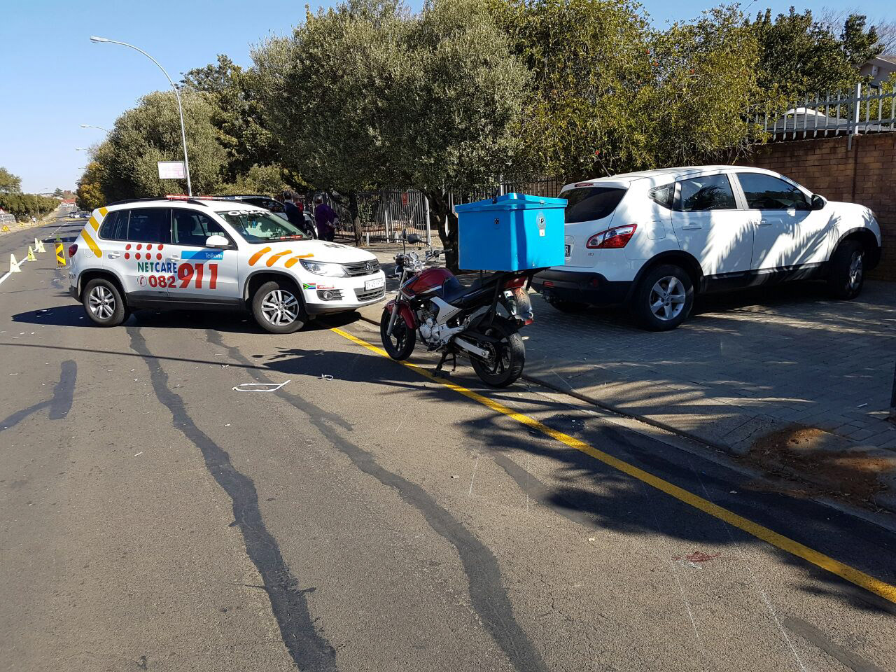Bloemfontein: 63 year old man sustains severe leg  injuries in bike crash.