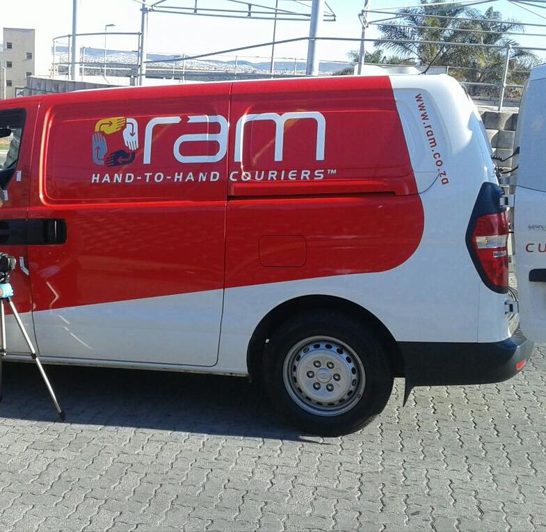 Uitenhage police search for robbers of delivery vehicle