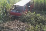 Taxi Crashes Into Ditch, Verulam