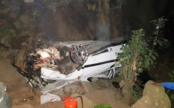 Two injured in crash in Chatsworth