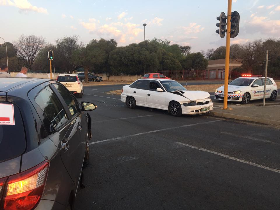 Fortunate escape from injury in road crash at intersection in Bloemfontein