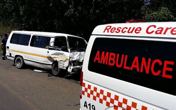 6 people injured in Hillcrest taxi crash