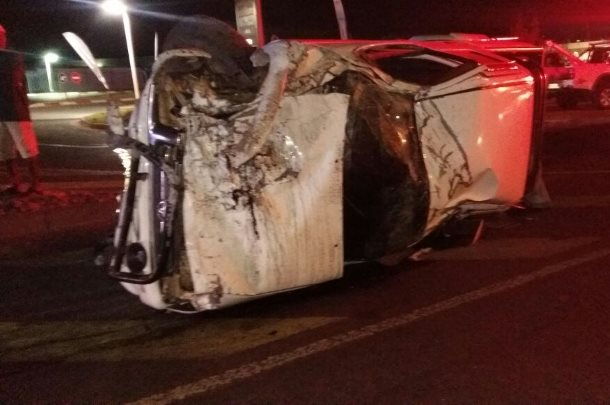Northriding driver killed when bakkie crashes into center medium