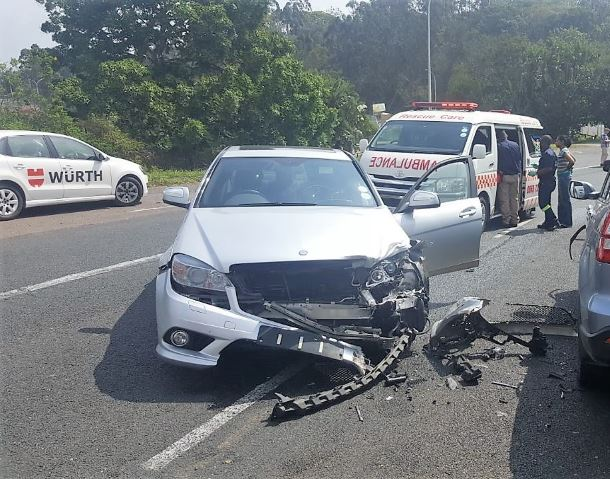 2 People injured in Pinetown crash