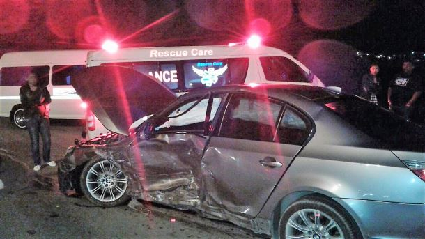 5 people have been injured during a crash in Chatsworth
