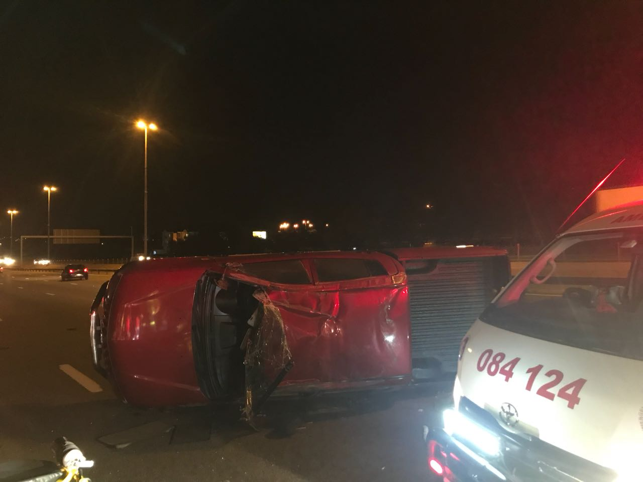 Bakkie and car collide leaving eight injured on the N1 south-bound Highway in Buccleuch