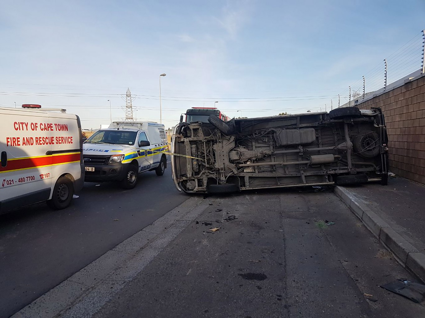 Nine injured when taxi overturned in Epping